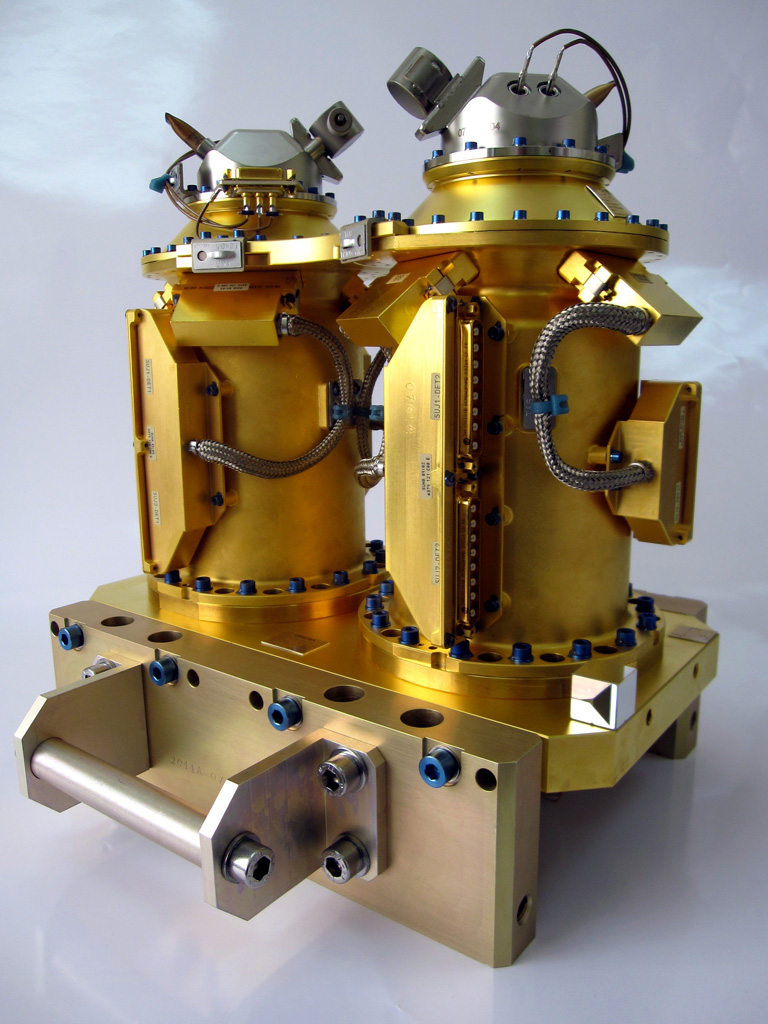 Flight model of the mechanical sensor of the T-SAGE accelerometer used for the MICROSCOPE mission, to test the principle of equivalence