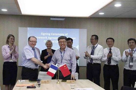 On June 20th, 2017, CAE * President Dr. Zhang Xinguo and  ONERA CEO Mr. Bruno Sainjon signed a new Framework Agreement for Aeronautics Research Cooperation at the AVIC ** Chalet during the 52th Paris Airshow in presence of relevant leaders and experts of both sides and media.