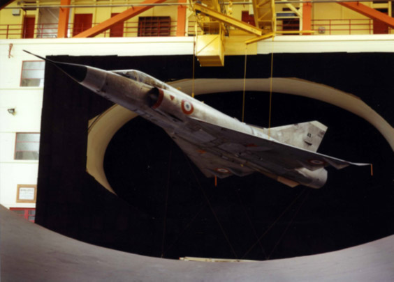 Mirage 3 aircraft in the S1Ch wind tunnel (Meudon) in 1984, for studying radar discretion
